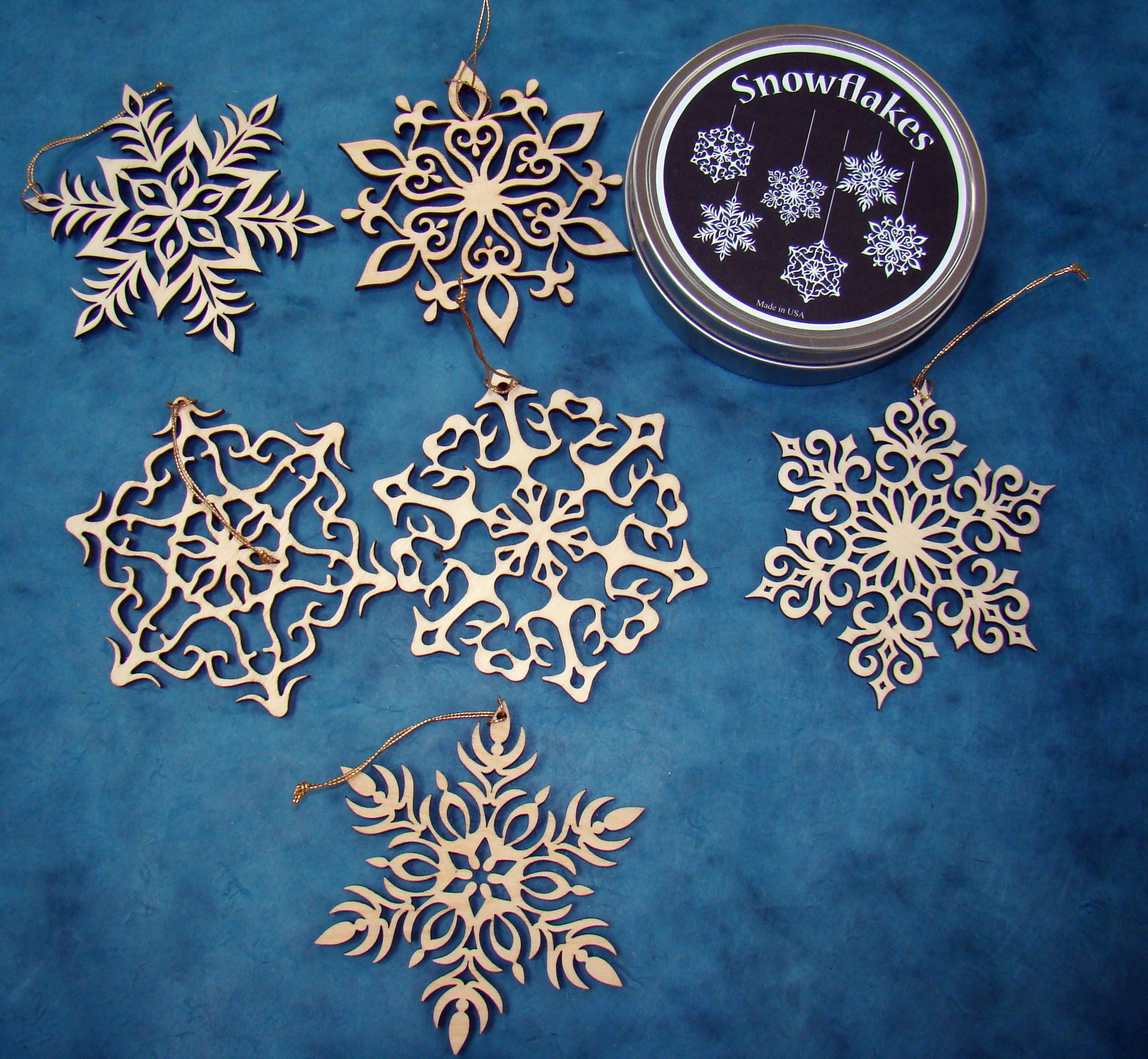 Snowflakes ornaments - Adorn Your Tree With The Delicate Laser Cut Snowflakes Cut From Maple Wood And Clear Finished