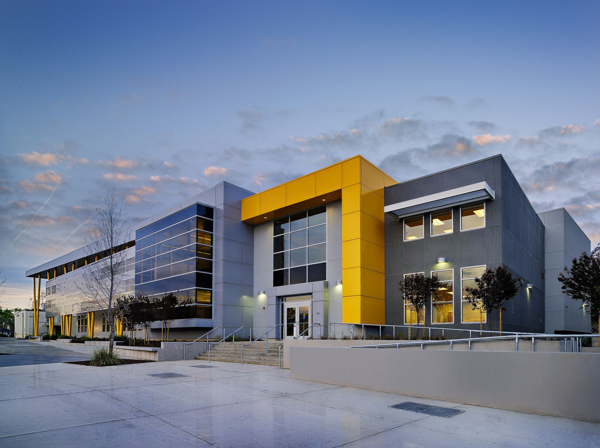 Gallery of edison high school academic building darden architects 7