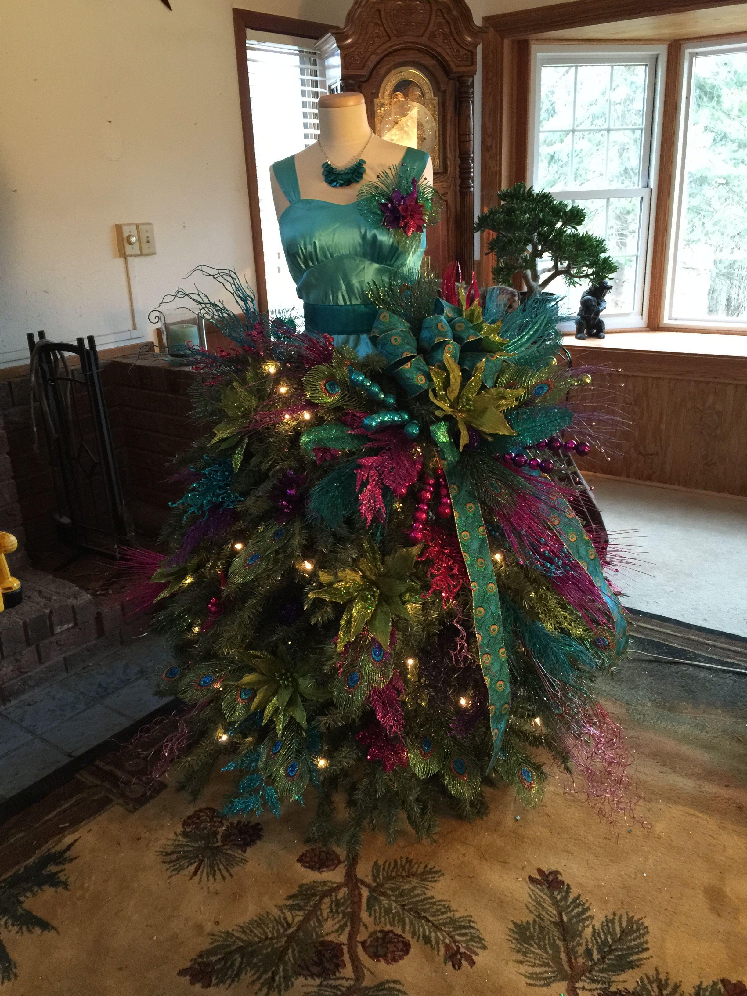 Beautiful And Fun To Make Storefront Mani Chrismas Tree Decoration Christmas Tree Dress Christmas Tree Decorations