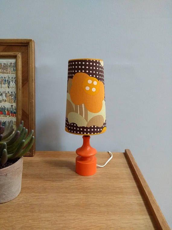 Lampe vintage années 70 pied bois orange abat jour tissu fleurs ...