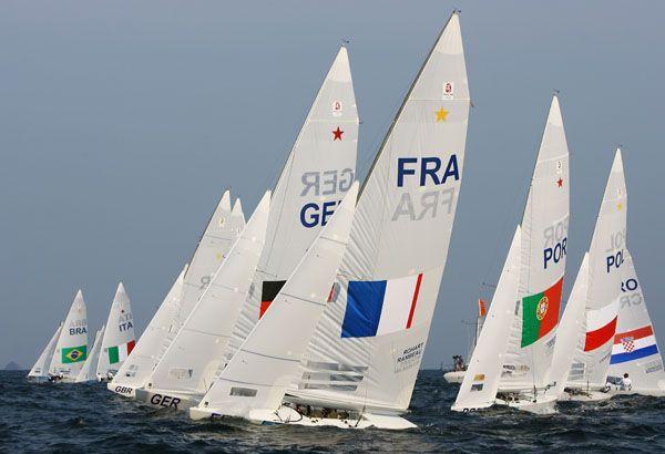 Great brazilian two times gold medalist Robert Scheidt start.
