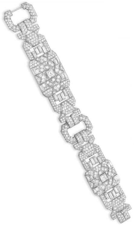 AN ART DECO DIAMOND BRACELET BY TIFFANY & CO Circa 1935