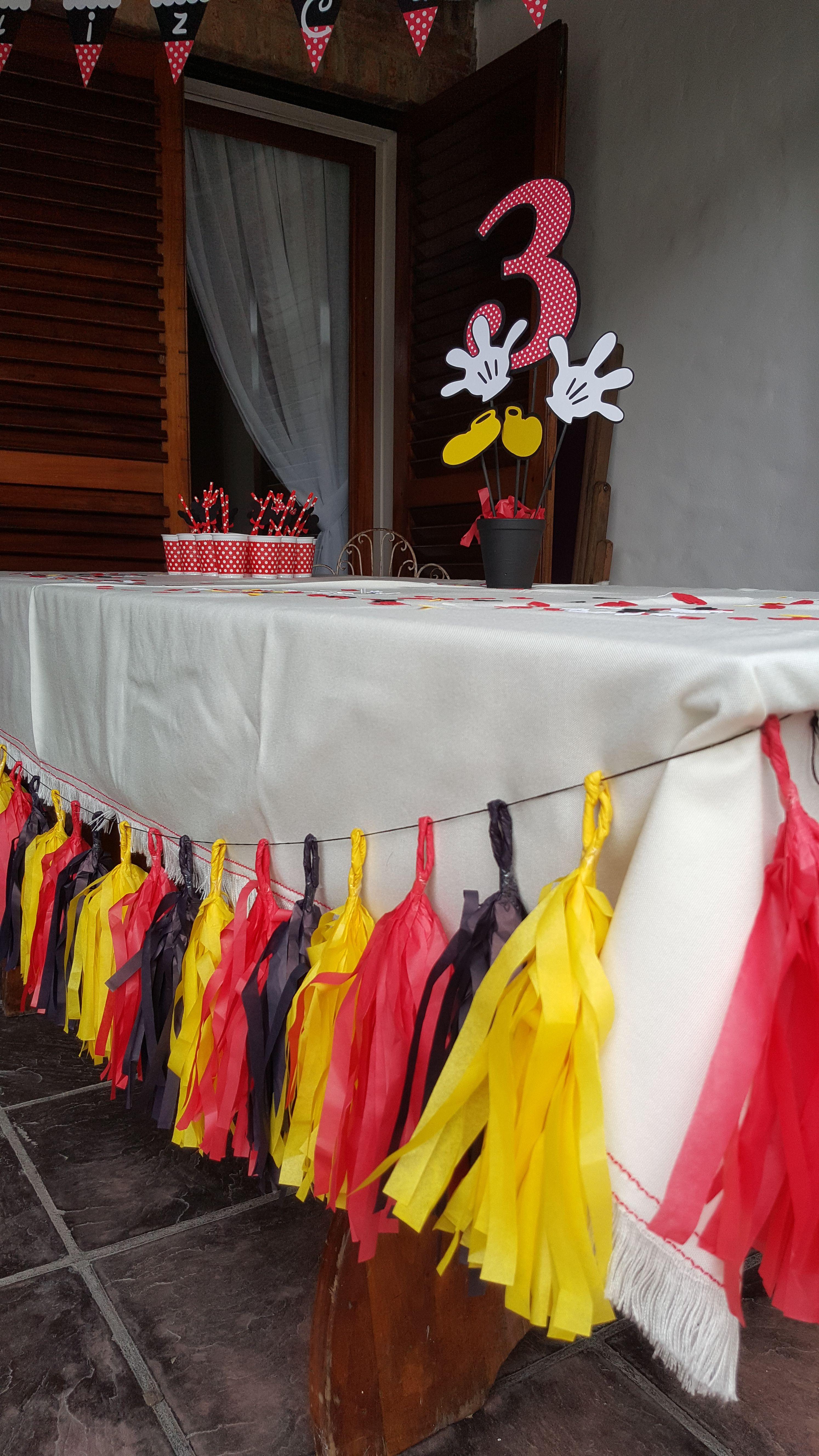 eab50918e Guirnaldas de Flecos. Cumpleaños Mickey Mouse. Fiestas temáticas. Buscanos  en Mercadolibre Argentina.