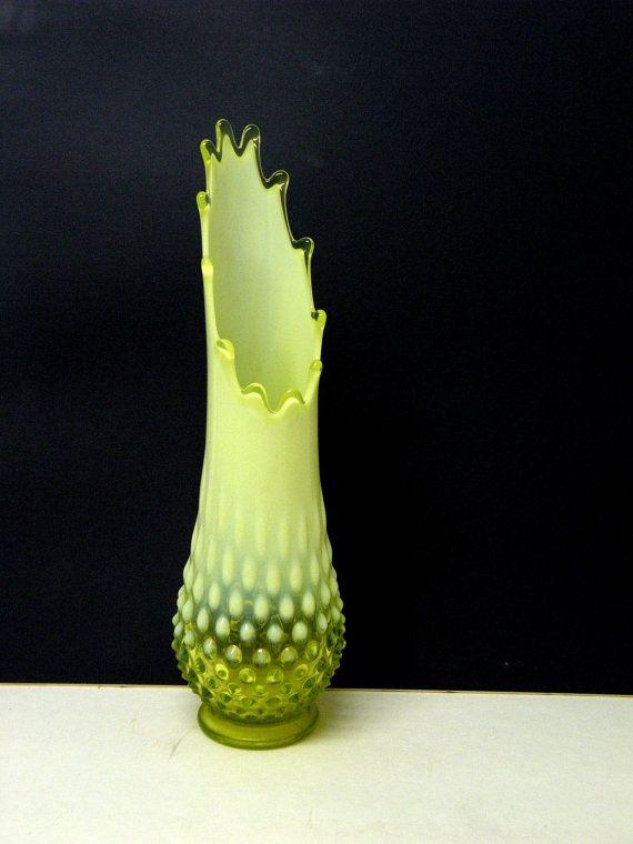 Vaseline Topaz Fenton Vase Opalescent Hobnail Yellow Scalloped