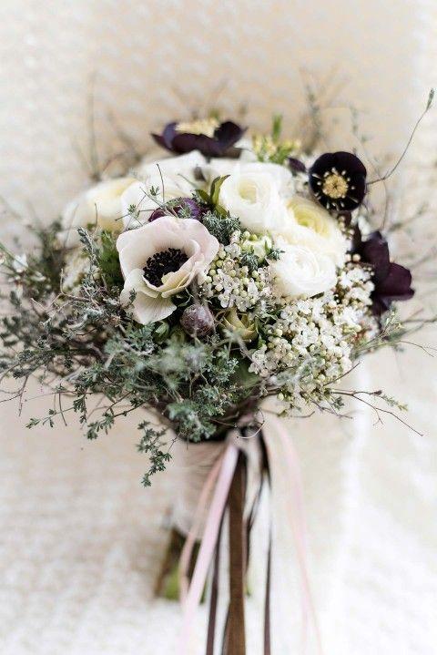 Winterliche Brautstrue  Blumenkunst als Accessoire
