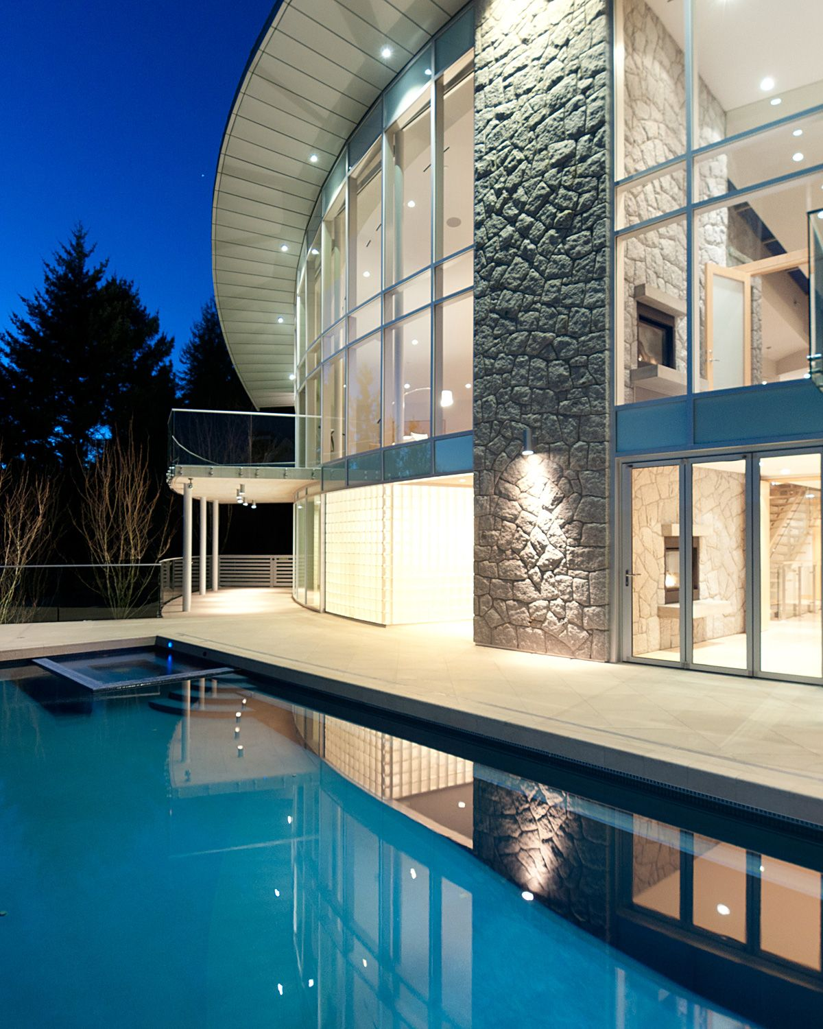 West Vancouver Contemporary Home with Soaring Glass ...