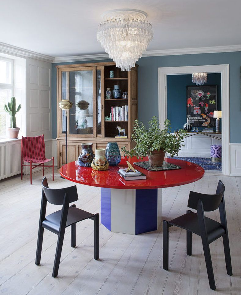 Murano Apartments: The Apartment Is A Liaison Of 20th Century Furniture