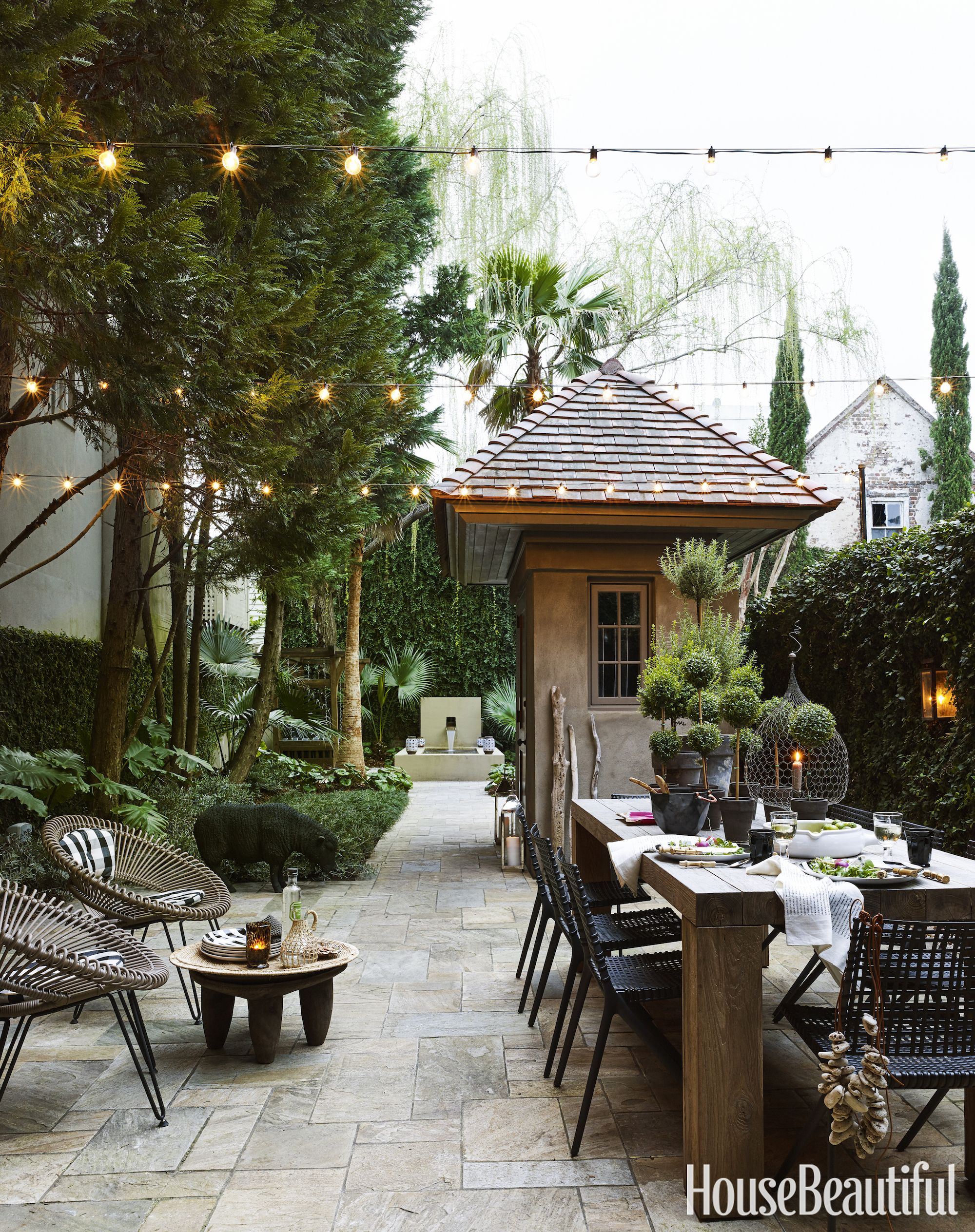 Decoracion Patios Exteriores Fotos This Charleston Charmer Uses Just One Color Outdoor Living
