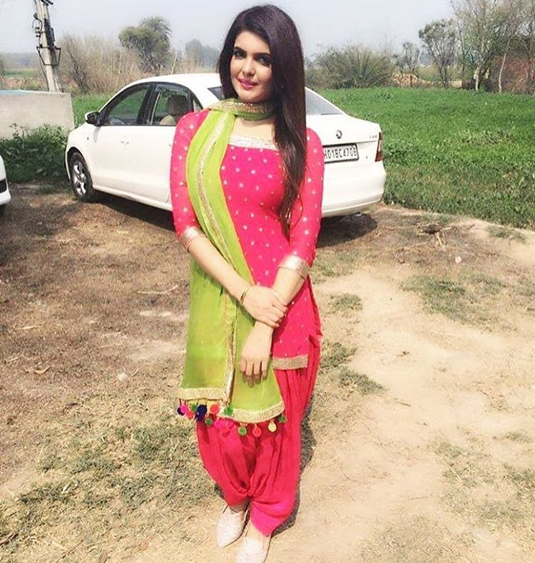 So famous desi stylish punjabi suit for 2017 18 sari - Punjabi desi pic ...