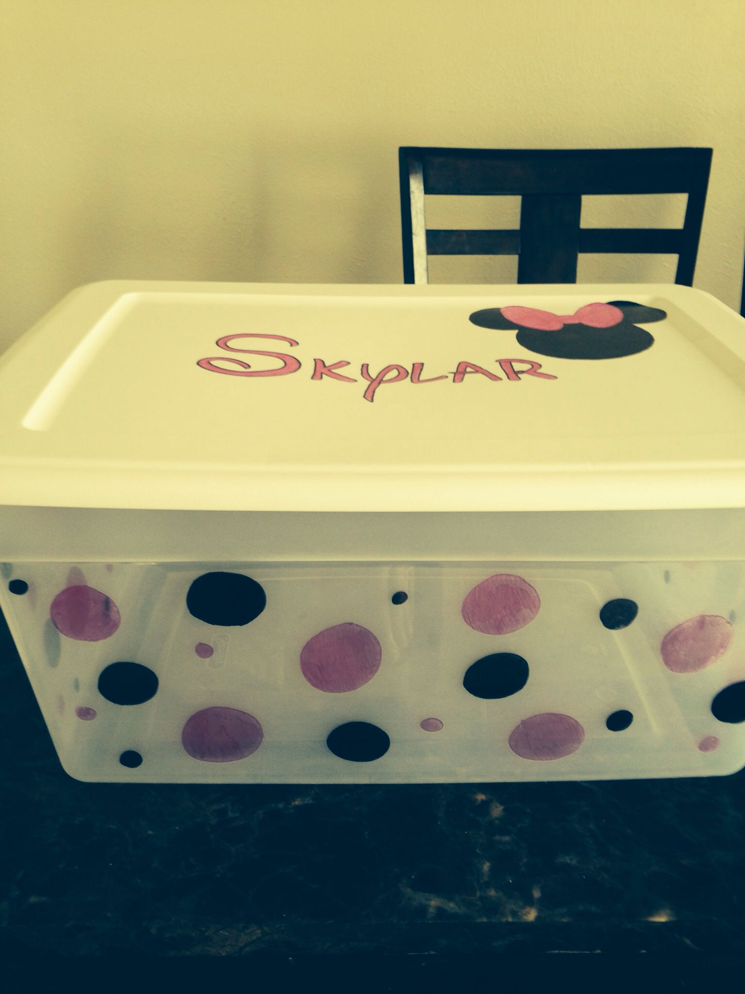 Ideal DIY Minnie Mouse toy box idea; I am think the plastic container  FM26
