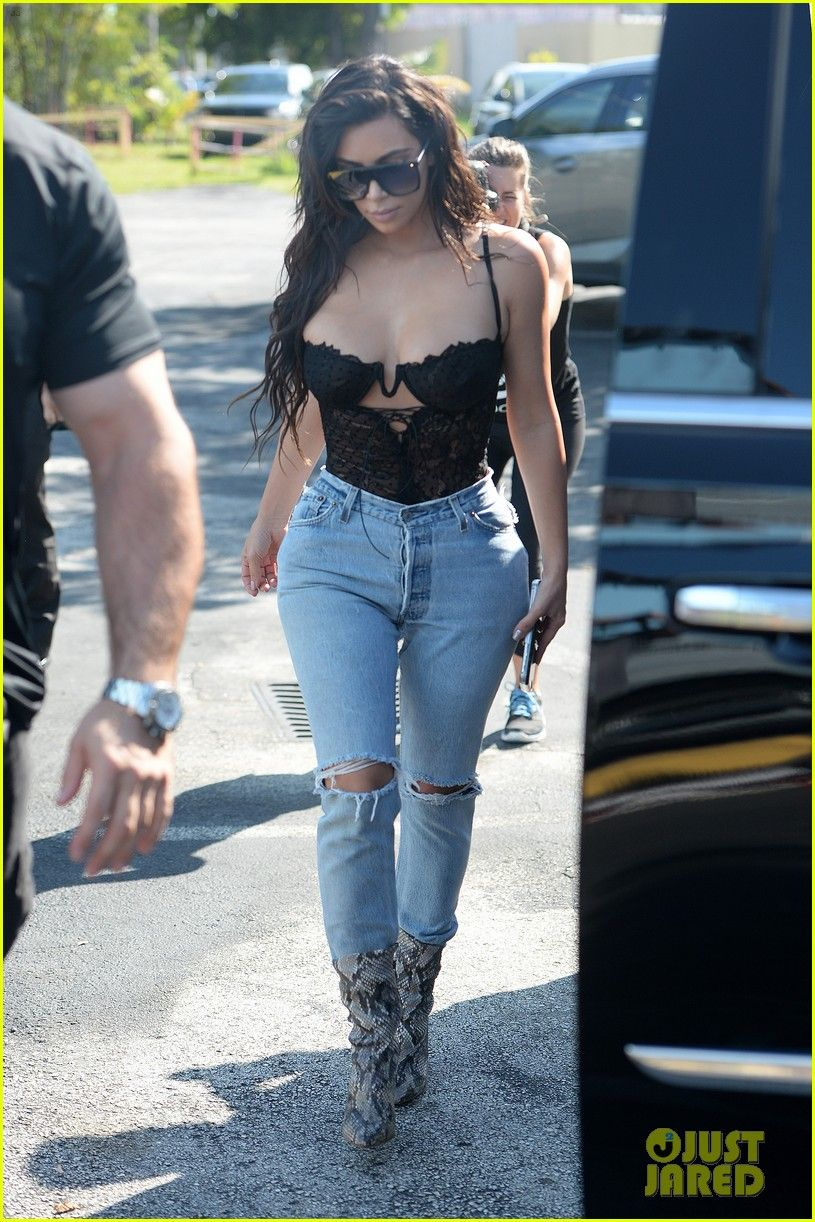 03e0bd4e3c32f Kim Kardashian Wears Lace Corset   Jeans for Miami Outing
