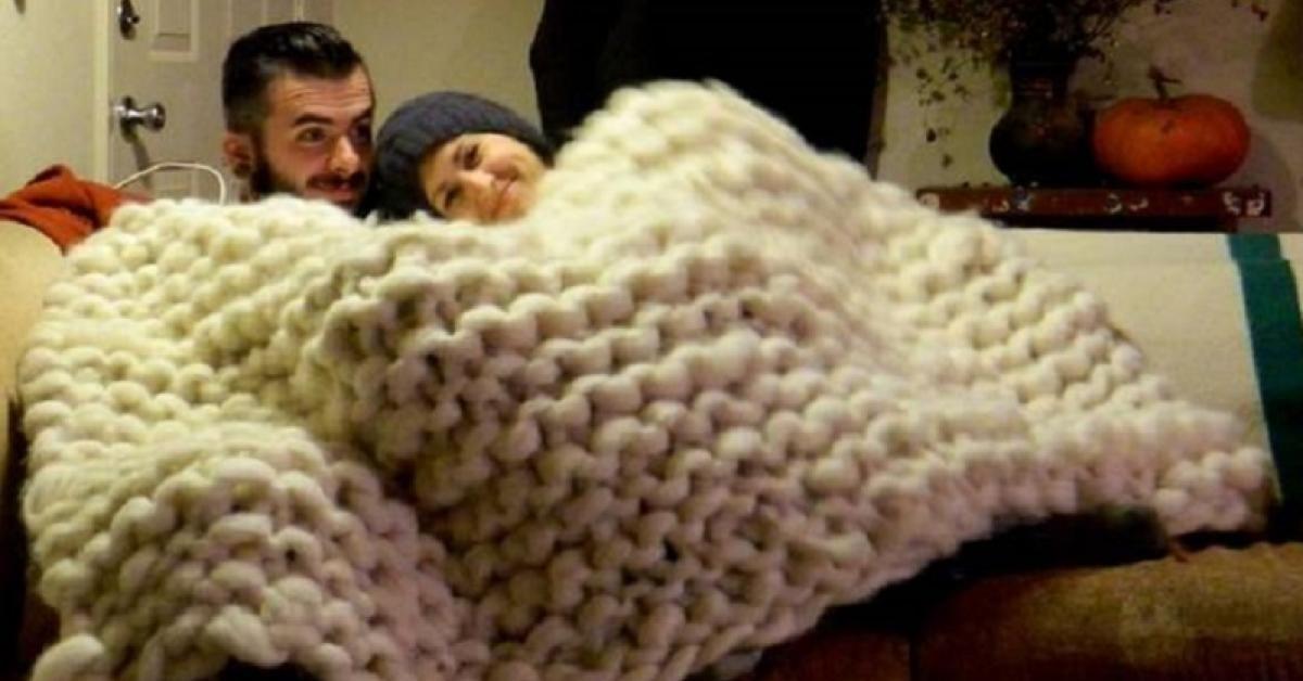 comment tricoter une gigantesque doudou avec les bras a faire tricot comment tricoter et. Black Bedroom Furniture Sets. Home Design Ideas