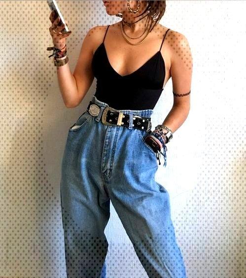 Un jean taille haute pour tous les styles : grunge avec un style baggy, une grosse ceinture et des
