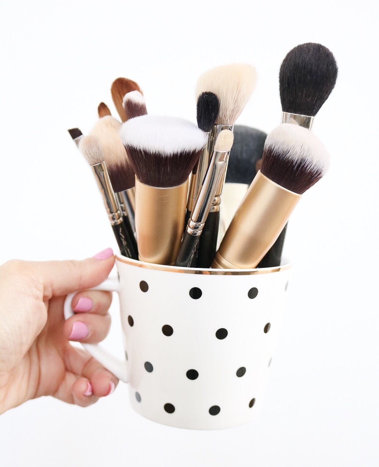 Top 11 Must Have Makeup Brushes Eye makeup brushes
