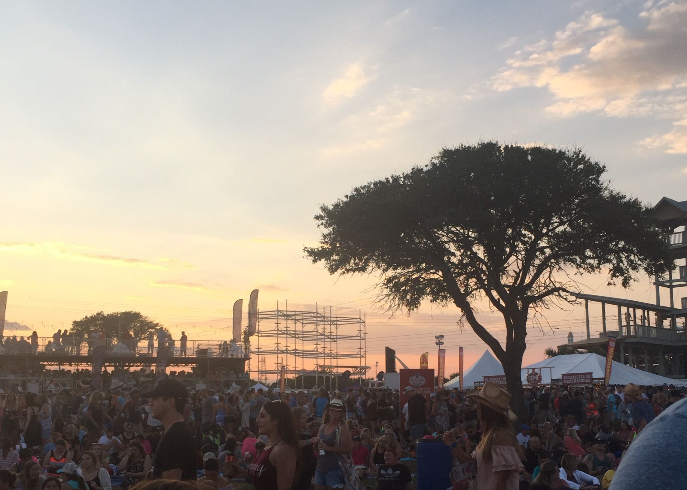 Myrtle Beach Country Music Fest Food & Bar Guide
