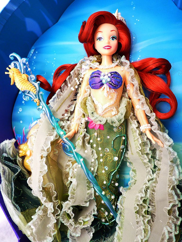 Disney Store The Little Mermaid Special Edition Ariel Doll