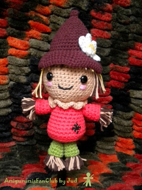 Crocheted by AmigurumiesFanClub. Free pattern by All about ami !!! http://www.allaboutami.com/post/12176269215/scarecrow
