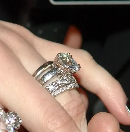 Merveilleux Avril Lavigne (from Deryck Whibley) | Celebrity Engagement Rings |  Pinterest | Celebrity And Ring