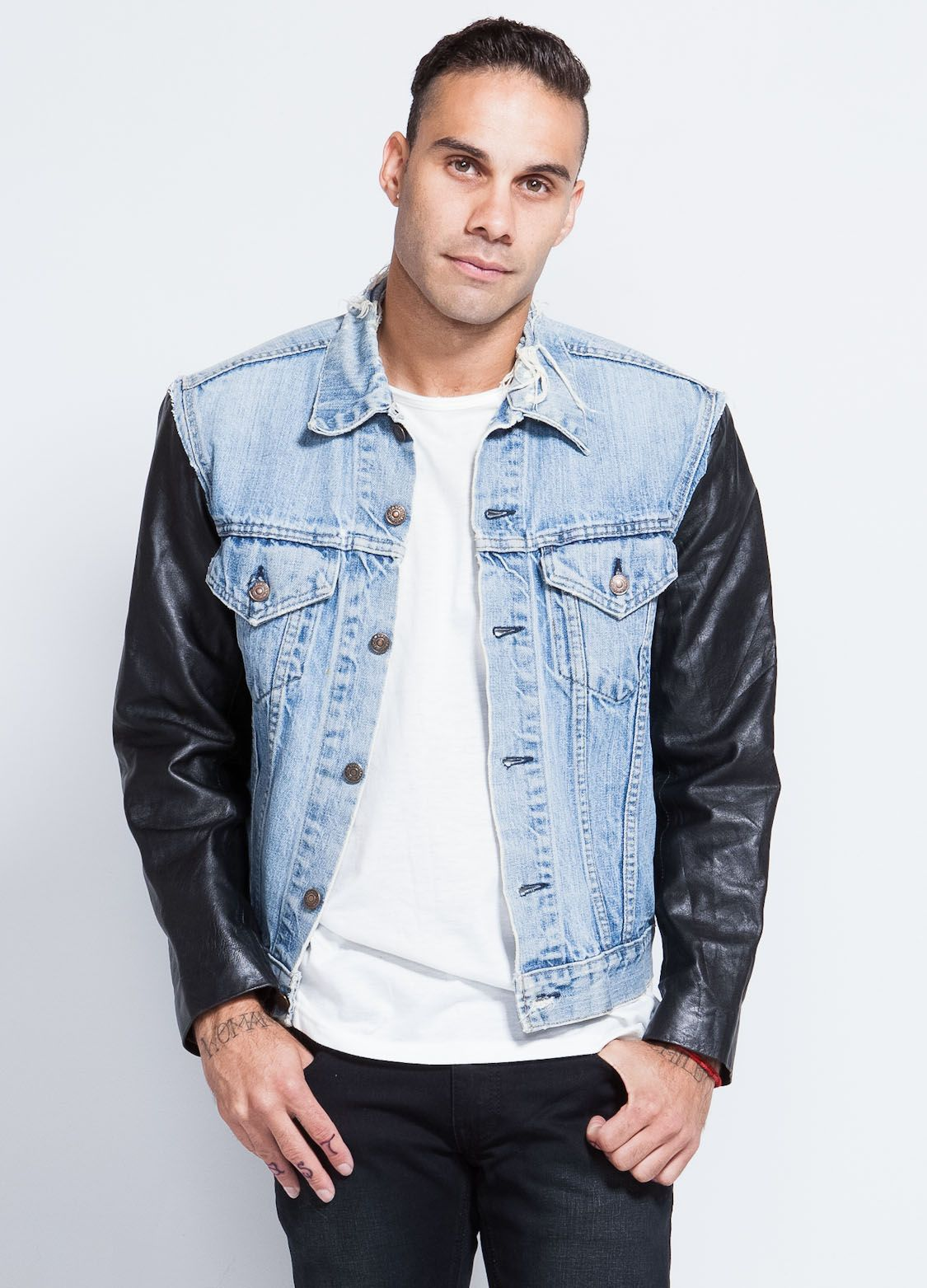 This levi's vintage inspired denim jacket features leather