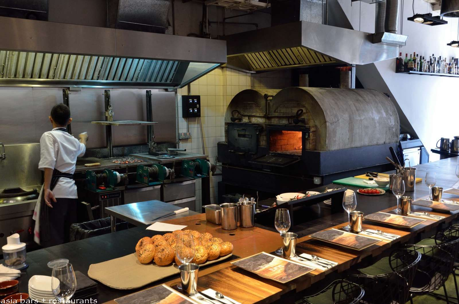 Burnt Ends 2 Italian Restaurant Decor Grill Restaurant Restaurant Interior