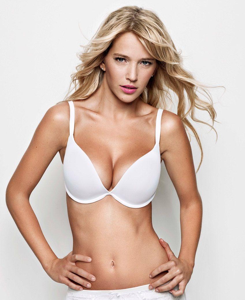 Luisana lopilato hot nude, nude contest girl