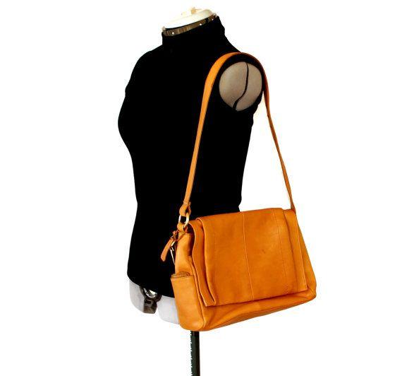 Vintage shoulder bag by Rolfs. Light brown by ChickClassique, $42.00