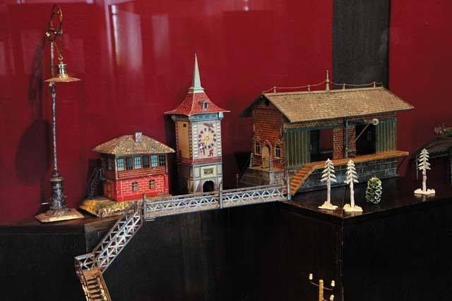 Toy electric railroad belonged to Tsarevich Alexey. It was made in Germany, in early 20th century. It is one a few toys of Alexey survived in Tsarskoye Selo after 1918