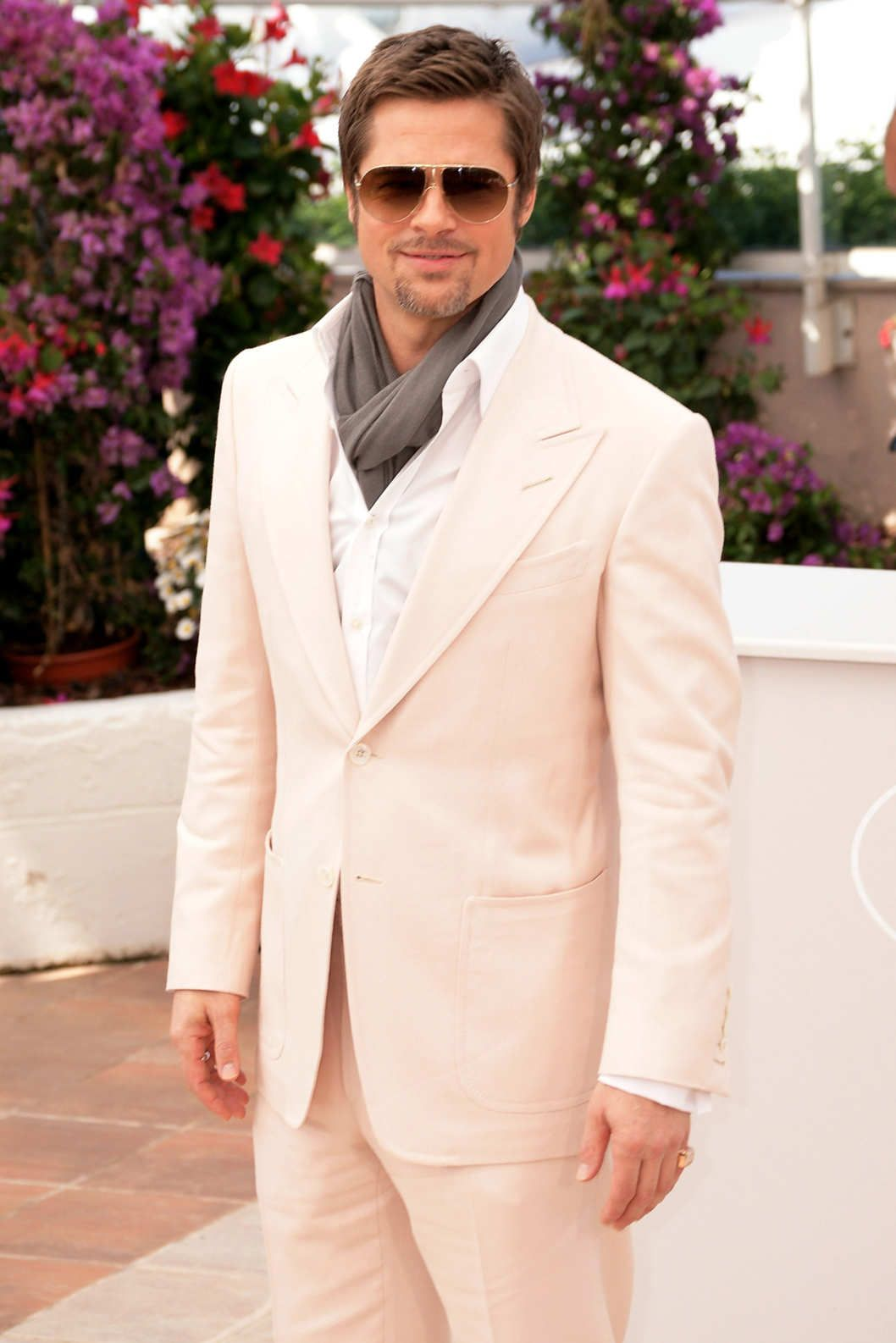 7 Men Who Will Renew Your Faith in Tan Suits | Brad pitt, Sexy and ...