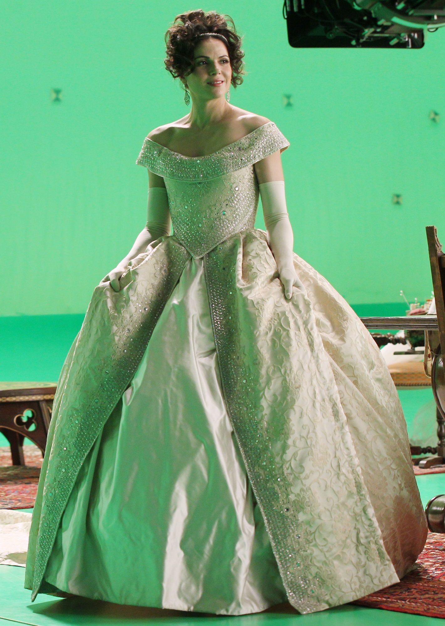 Regina Wedding Dress Fashion Gowns White Gowns