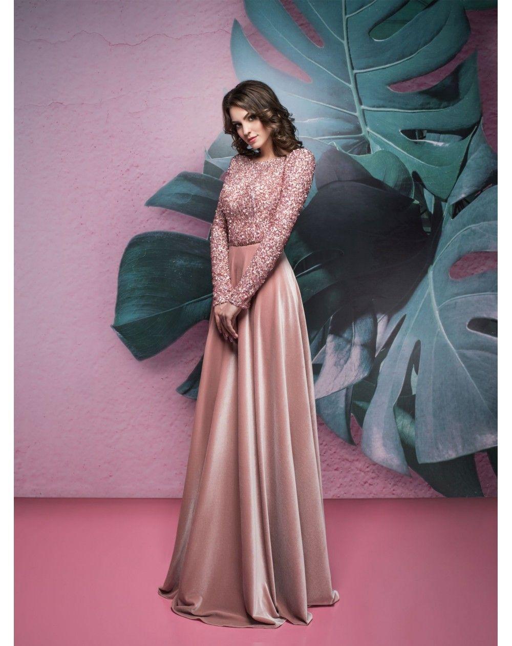 833f07ee613d Luxusné spoločenské šaty so zamatovou dlhou sukňou. Zvršok má dlhé rukávy  je ušitý z exkluzívneho