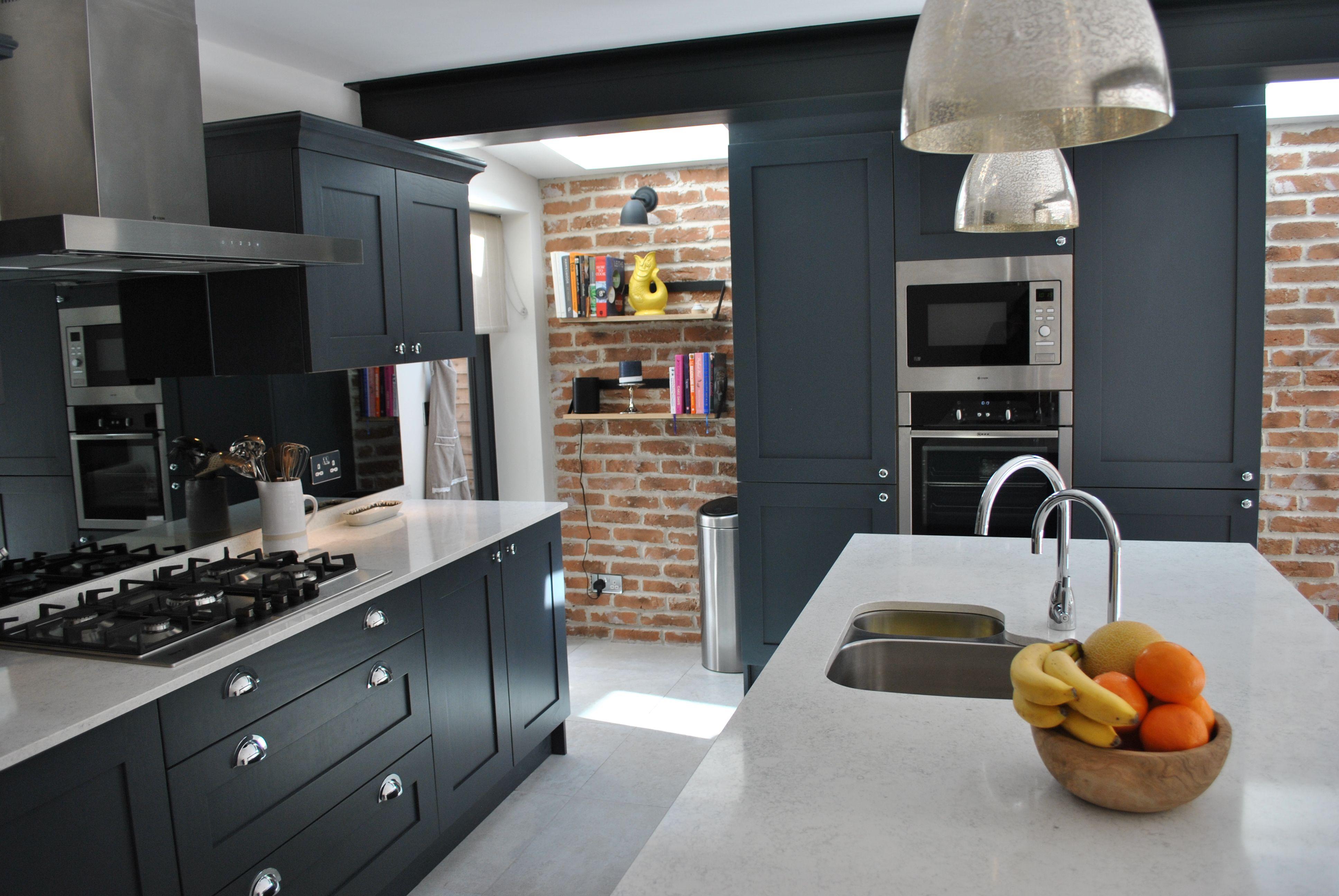 Clapham Shaker Kitchen: Modern Shaker Kitchen In Dark Slate Blue Looks Stunning