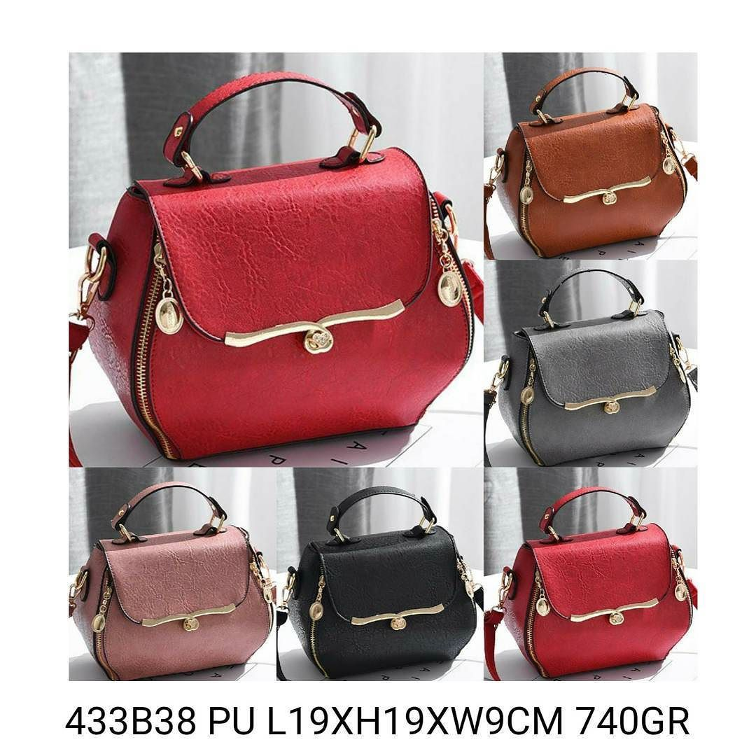 433B38 144.000 MATERIAL PU SIZE L19XH19XW9CM WEIGHT 740GR COLOR RED PINK GREY BLACK BROWN  Hubungi kami di:  Telegram: @girliaid CS1 : GIRLIA / WA: 081347103932 CS2 : GIRLIA2 / WA: 08125658895 IG testi: @testigirlia  Girlia Fashionstore your chic #dailygears  #fashion #instafashion #jualtas #girliaproject #girliafashionstore #tasimportmurah #tas #tasfashion #grosirtasmurah #tasbatammurah #taskorea #tasbranded #tasmurmer