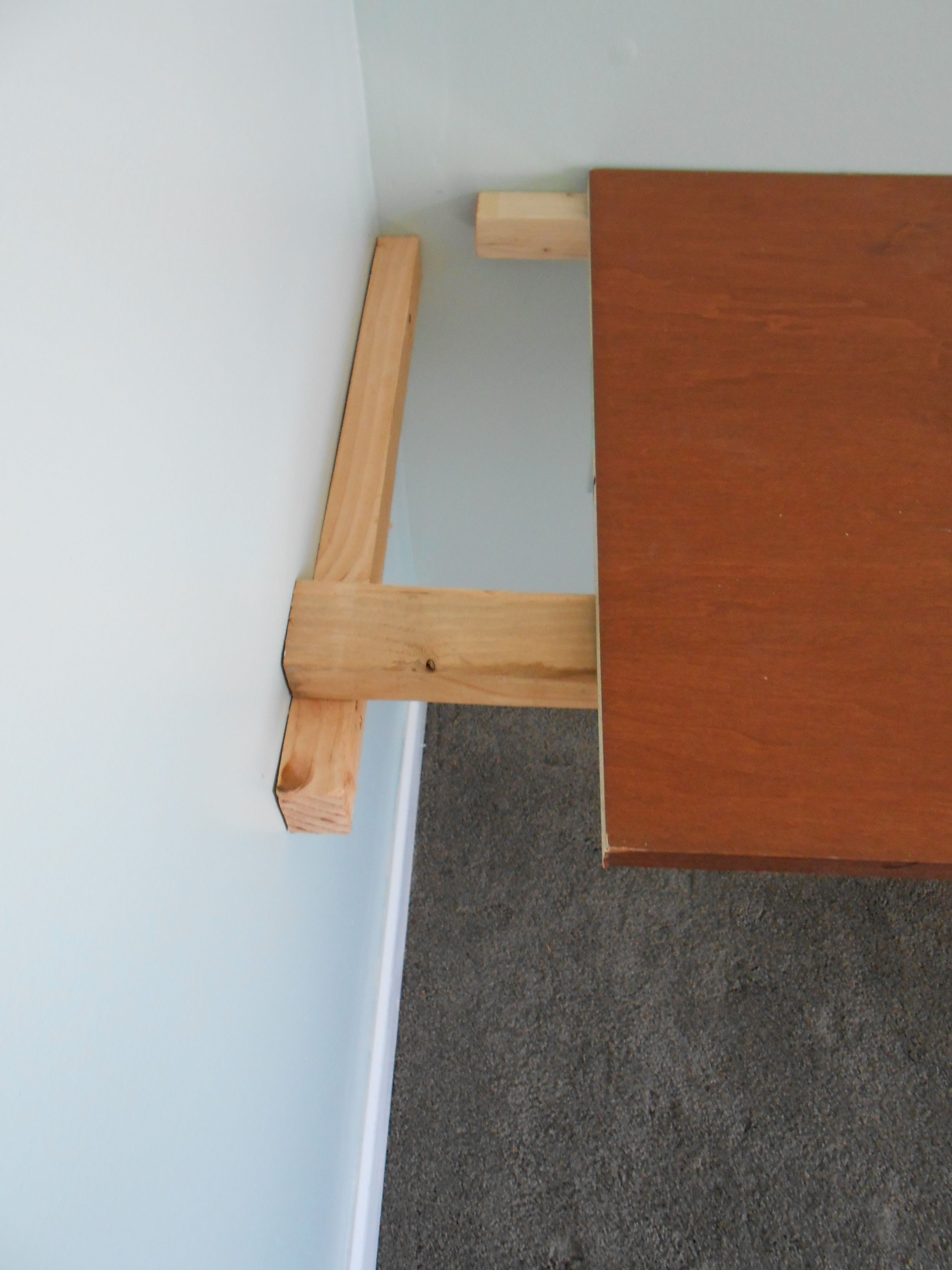 Floating desk would love to not have to use angled