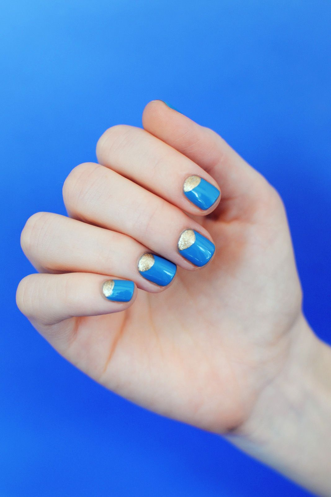 Upgrade Your Summer Nail Wardrobe With This Cool Kit Refinery29 Http Www Refinery29 Com Summer Nail Kit Slide9 P Gold Nail Designs Cute Nails Simple Nails