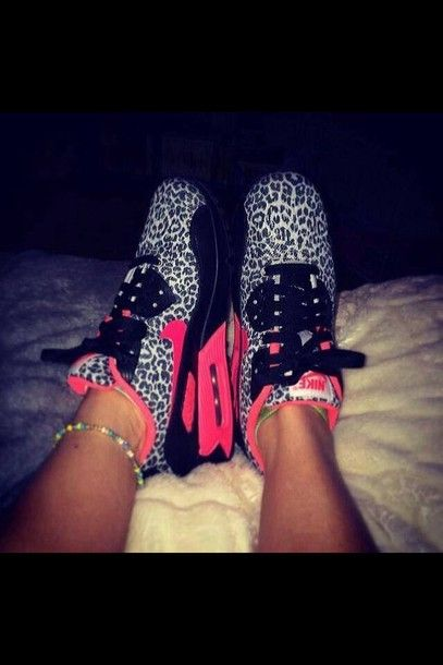 official photos c3f30 a12ec white leapord print pink black nike air max I need these!!!