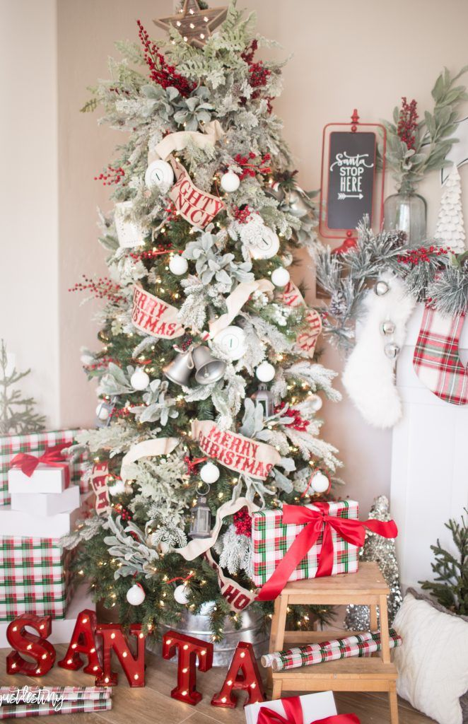 17 Stunning Christmas Tree Decorating Ideas That are Exceptionally - coastal christmas decorations