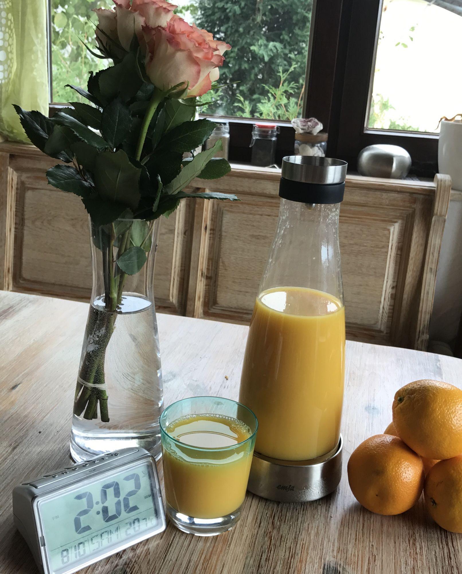 Leckerer kühler Orangensaftmit Fruchtfleisch :-) Die Emsa Flow ...