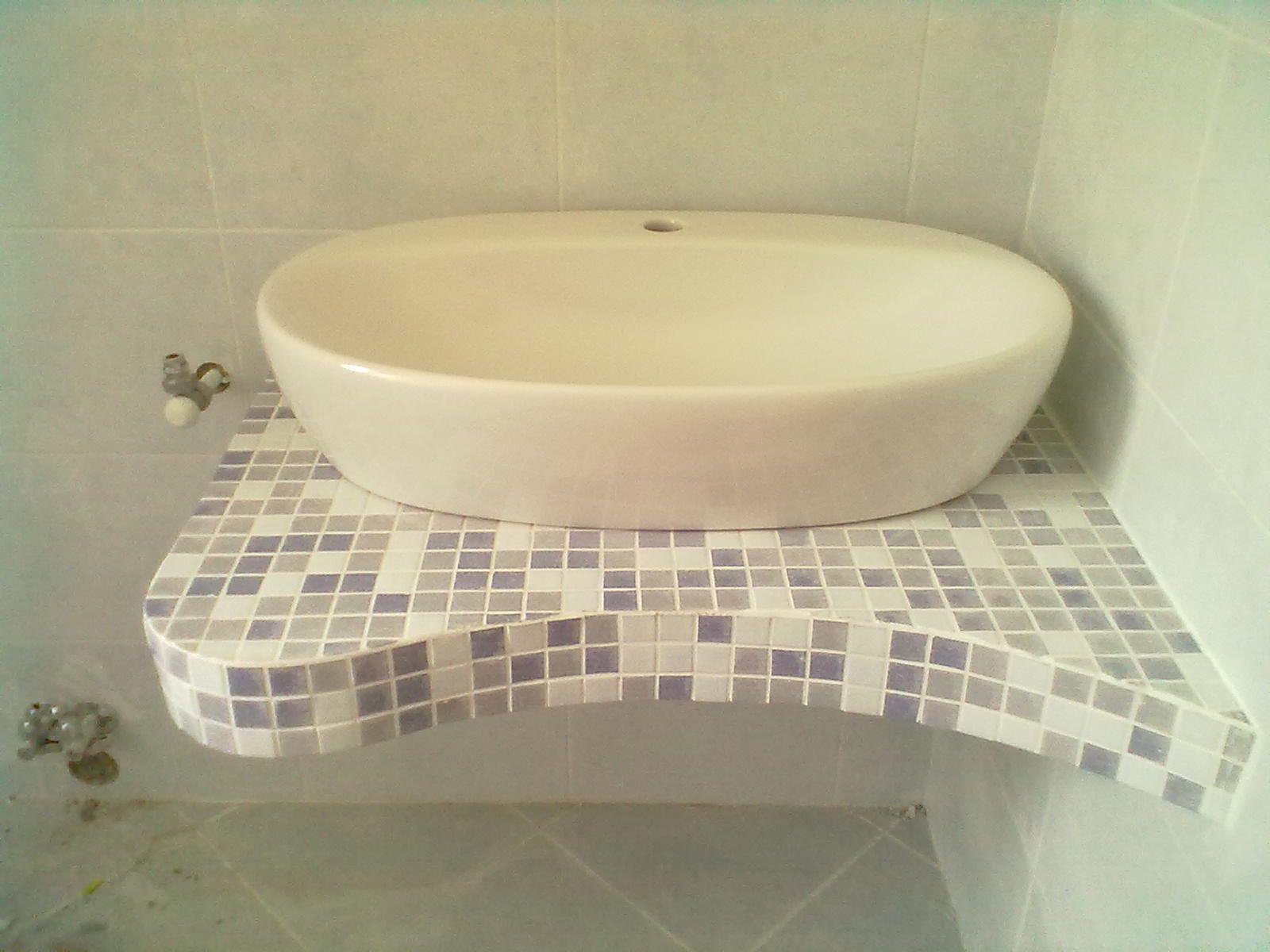Top in mosaico per lavandino bagno torino. tel 3299612608 bagni