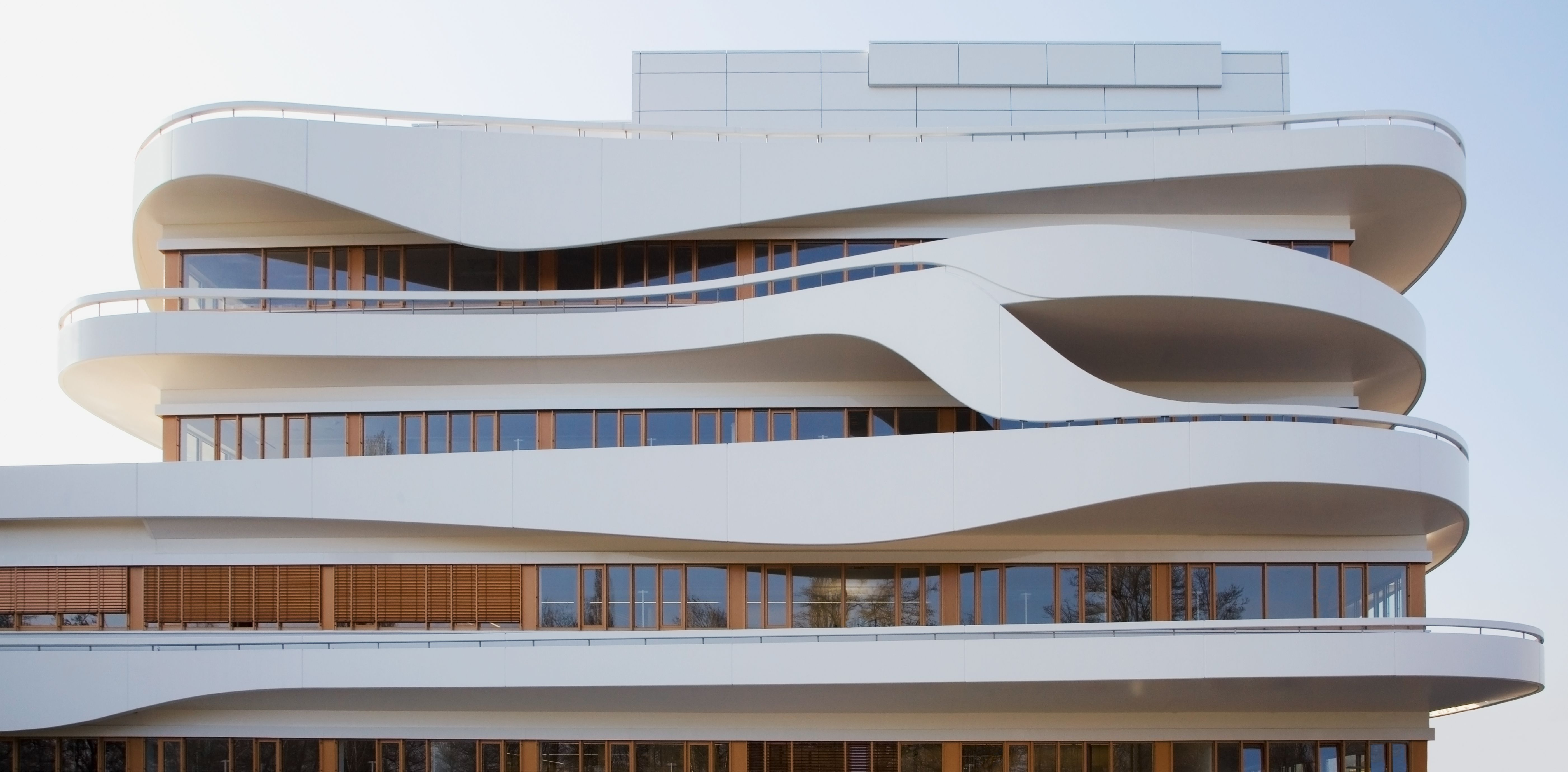 Curved Architecture Hamburg Curved Facade Google Search Facade More Solid