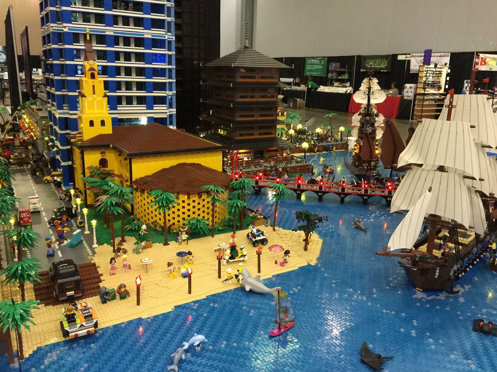 World S Largest Lego Lighting Display Lego Lighting Lego City Lego