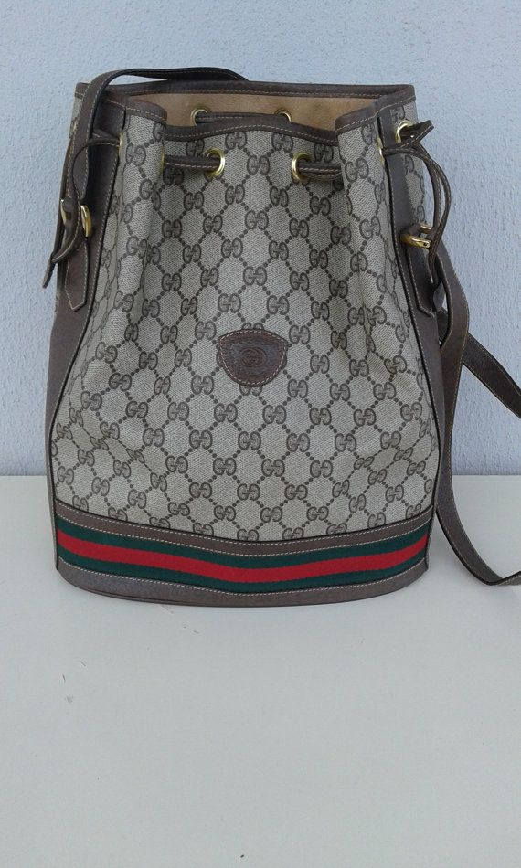 Rare find Gucci vintage drawstring   bucket bag   by ALILALIA ... ad085158fd140