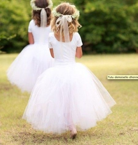 petite fille d 39 honneur blanc tutu demoiselle d 39 honneur pinterest enfants d honneur robe. Black Bedroom Furniture Sets. Home Design Ideas