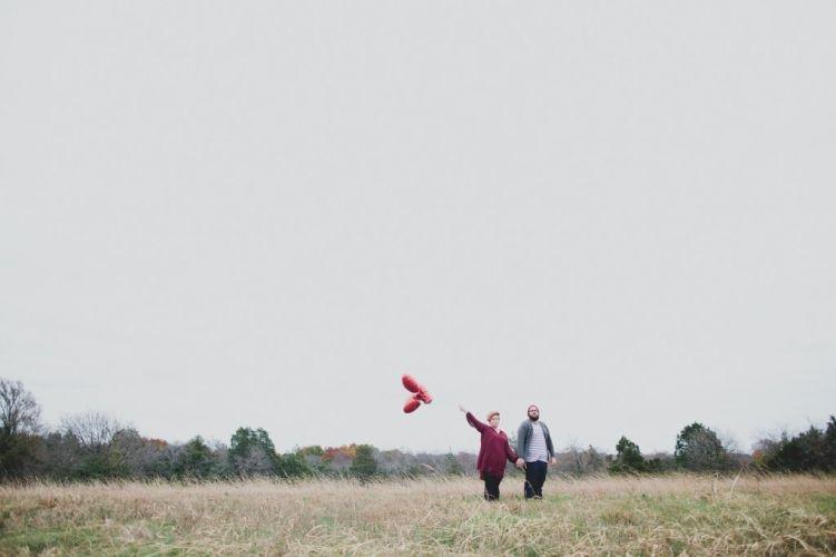 engagement // heart balloon // kelly christine photo