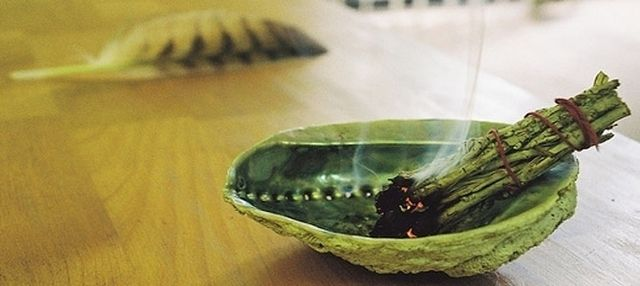 Easy Ways To Cleanse Your Home Of Negative Energy ...