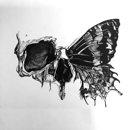 Photo of Halber Schädel-Schmetterlings-Tätowierungs-Entwurf –  Halber Schädel-Schmette…