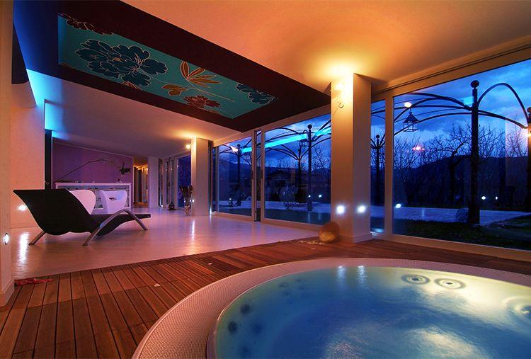 Ritorniamo in #Campiania tra verde e #relax totale. E non scordate l'evento Luci d'artista! #travel #relax #spa #resort #hotel Da 169 euro a COPPIA per ROMANTICO RELAX da VILLA RIZZO RESORT & SPA**** a SAN CIPRIANO PICENTINO (SA)!