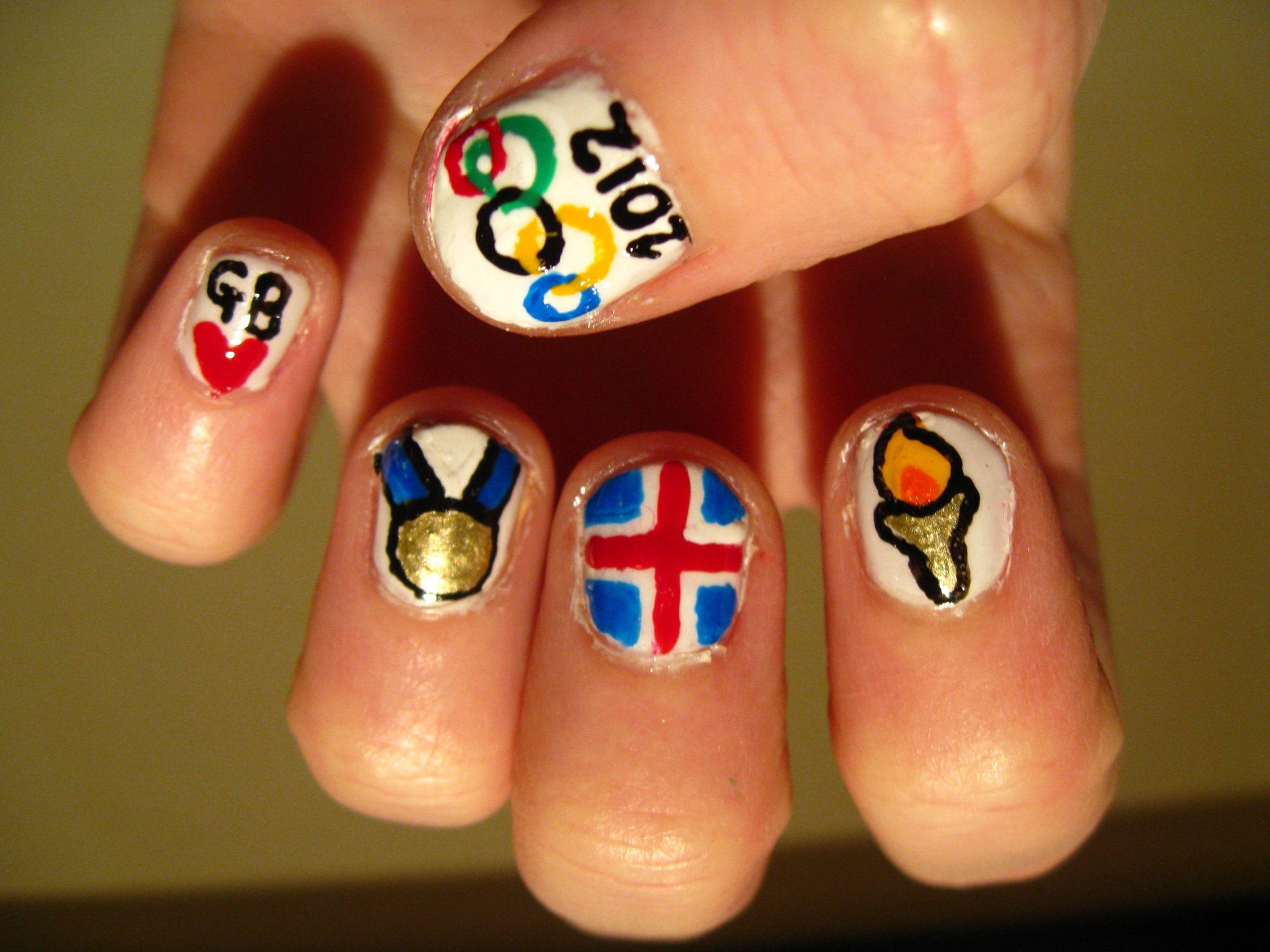 37 besten Nail art Bilder auf Pinterest   Nagelkunst, Gold und Blau