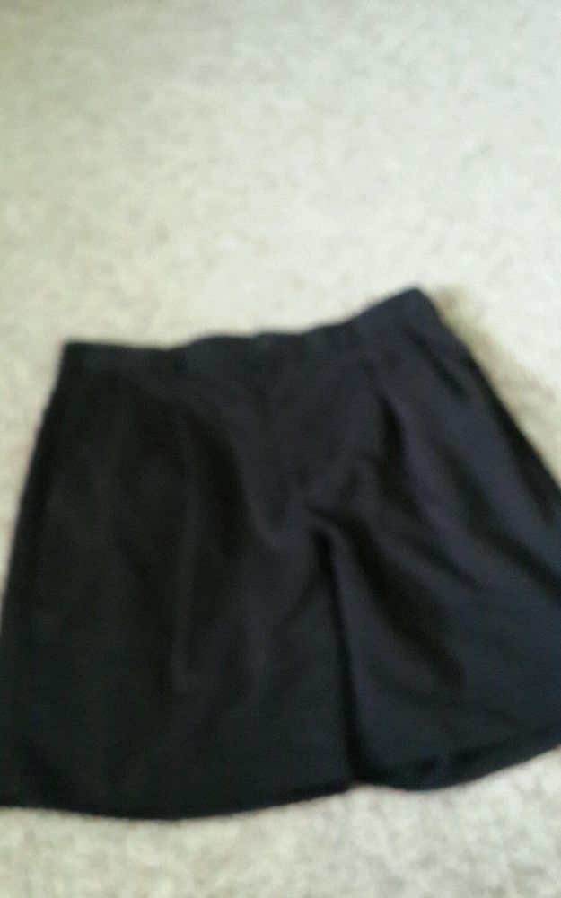 Izod Men's Shorts sz 34 Black Pleated Front Polyester #Izod #DressShorts