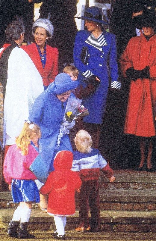 diana loved the excitement leading up to christmas and sometimes opened her presents early lady diana princess diana charles and diana lady diana princess diana