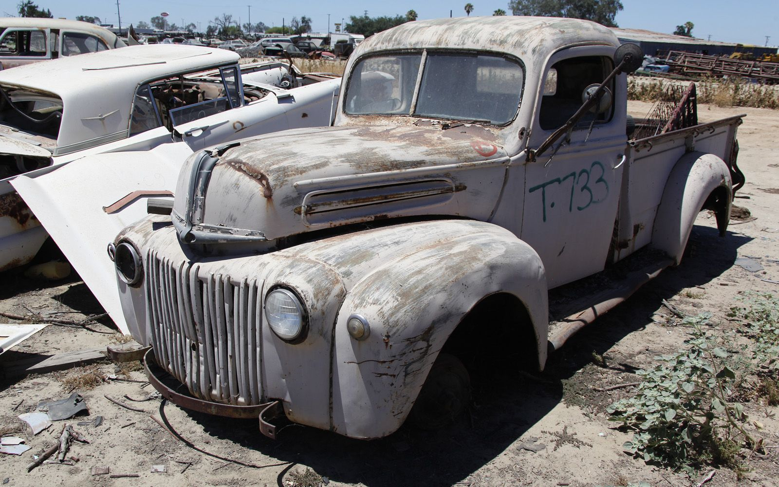junkyard-vintage-cars-turners-auto-wrecking-fresno-california-207 ...